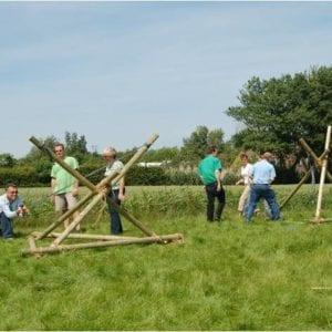 Katapult-Bau als Teambuilding-Maßnahme